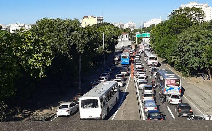 Parado Ponte Rio Niterói