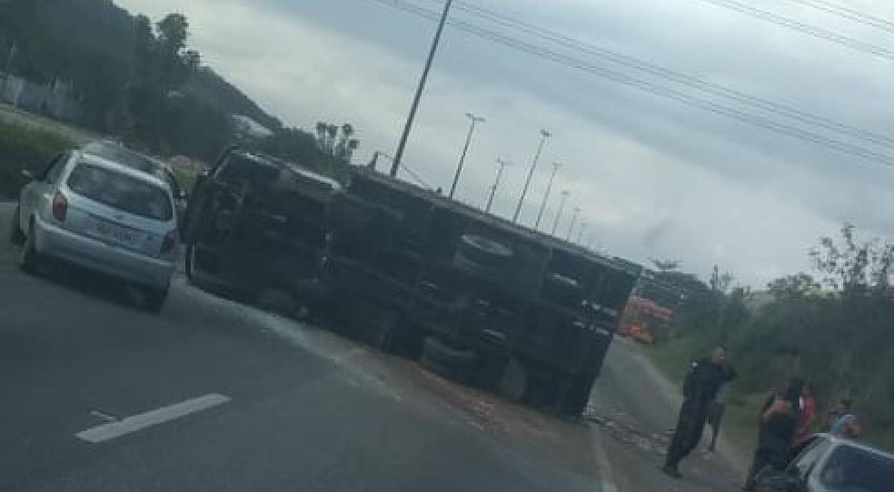 Caminhão em Bangu
