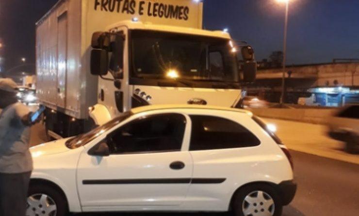 Carro Acidente Avenida Brasil