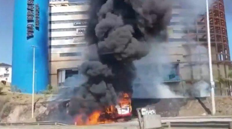 Fogo Ônibus Irajá