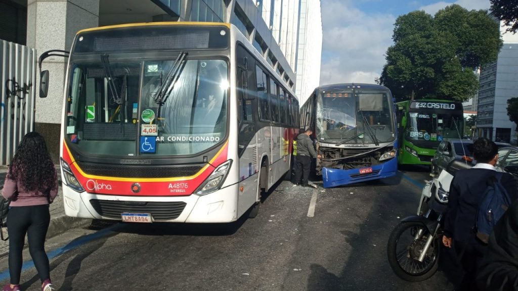 Acidente Ônibus Vargas